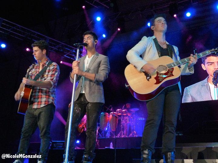 jonas-brothers-2010